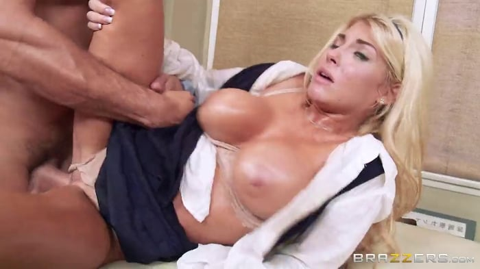 Kayla Kayden in Massage My Daughter