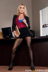 Devon - Sharing The Secretary | Picture (1)