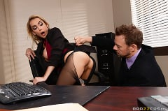 Devon - Sharing The Secretary | Picture (7)