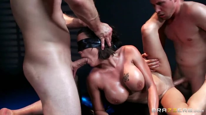 Peta Jensen in The Blindfold Massage