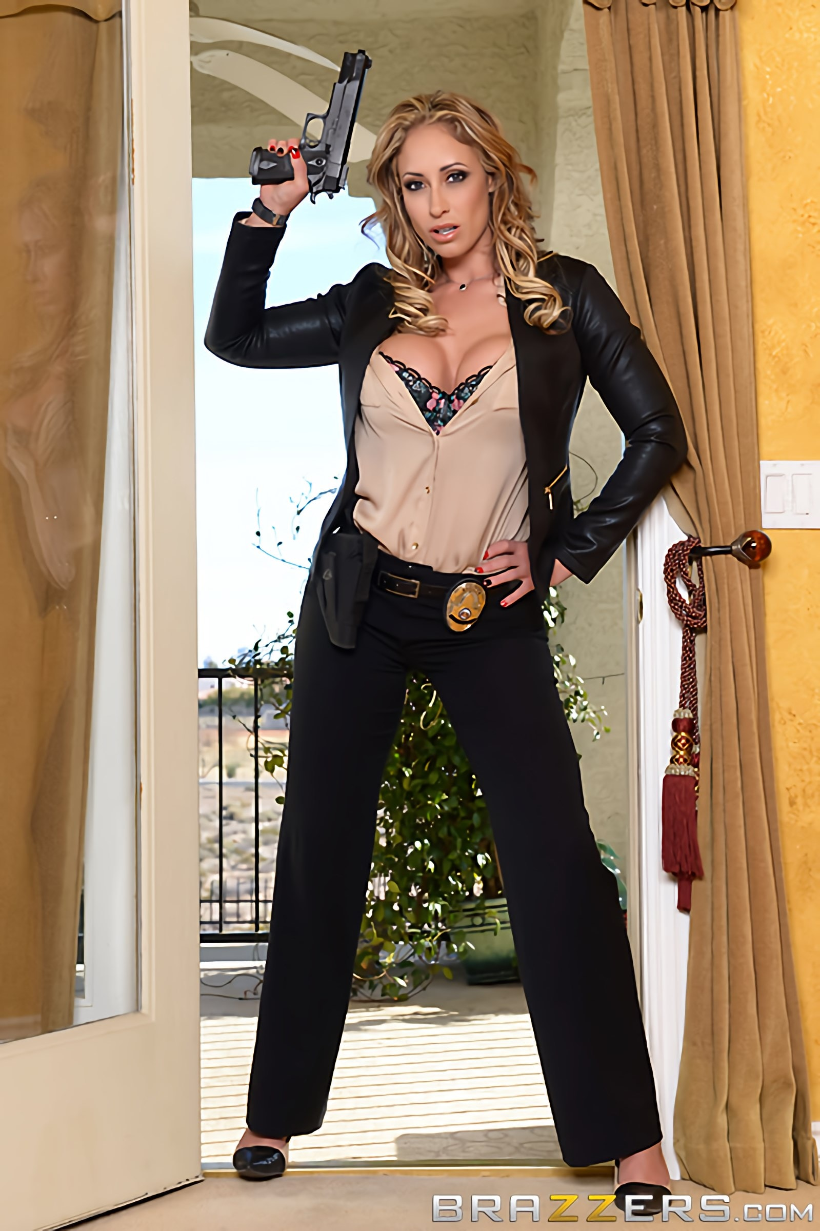 Eva Notty - Milf Squad Vegas- The Stakeout | Picture (1)