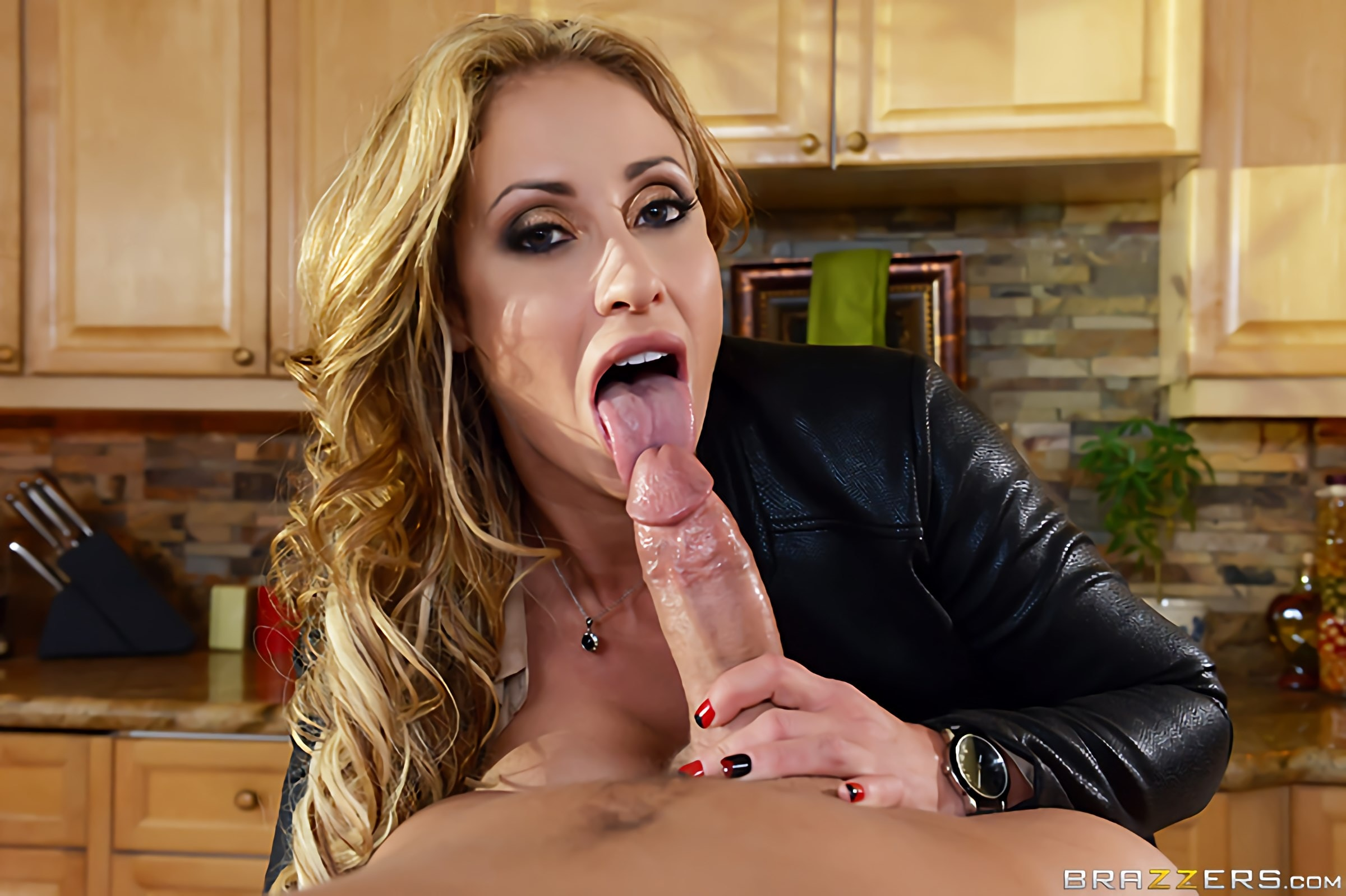 Eva Notty - Milf Squad Vegas- The Stakeout | Picture (11)