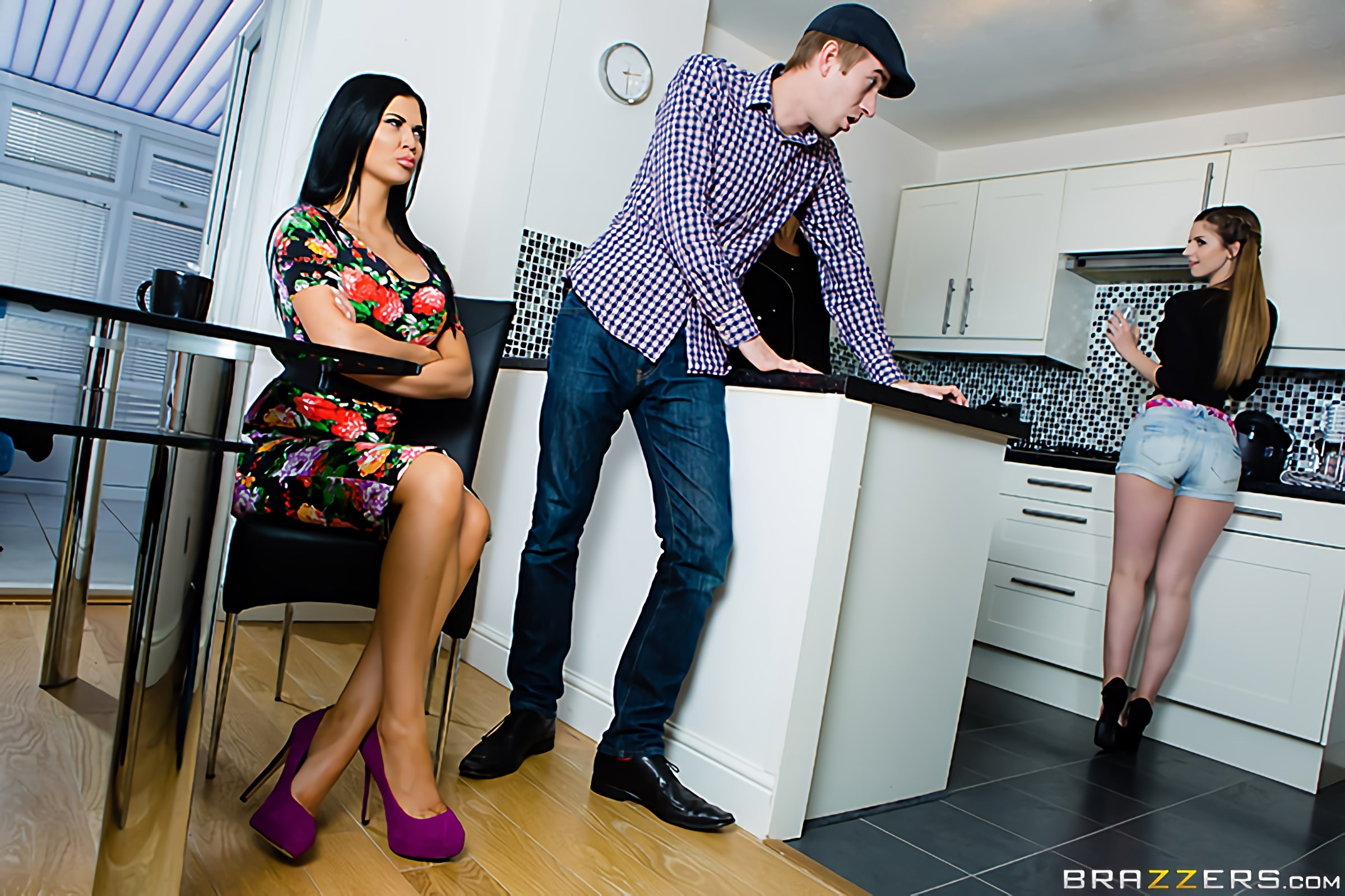 Jasmine Jae - Bringing Stepsiblings Closer Together | Picture (7)