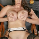 Alison Tyler in 'Get The Picture'
