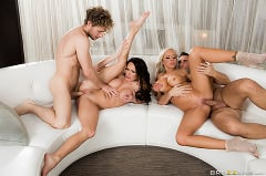 Alektra Blue - Swingers On Vacation- Part 1 | Picture (9)