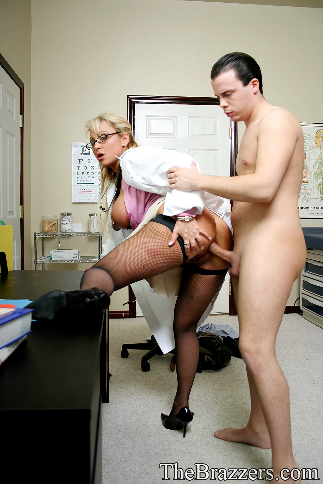 Fucked In Arabic Doctor Office Free XXX Galeries