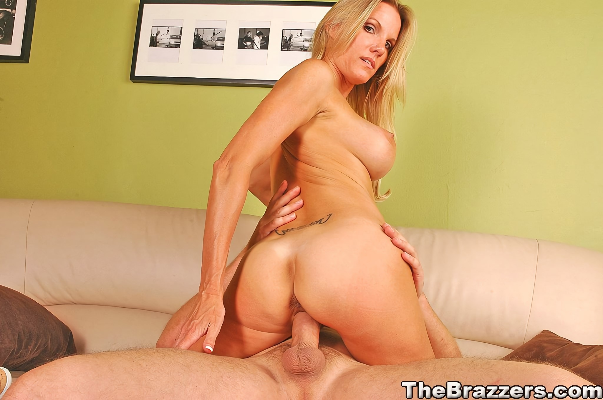 Busty blonde housewife niki wylde gets her pussy screwed hard