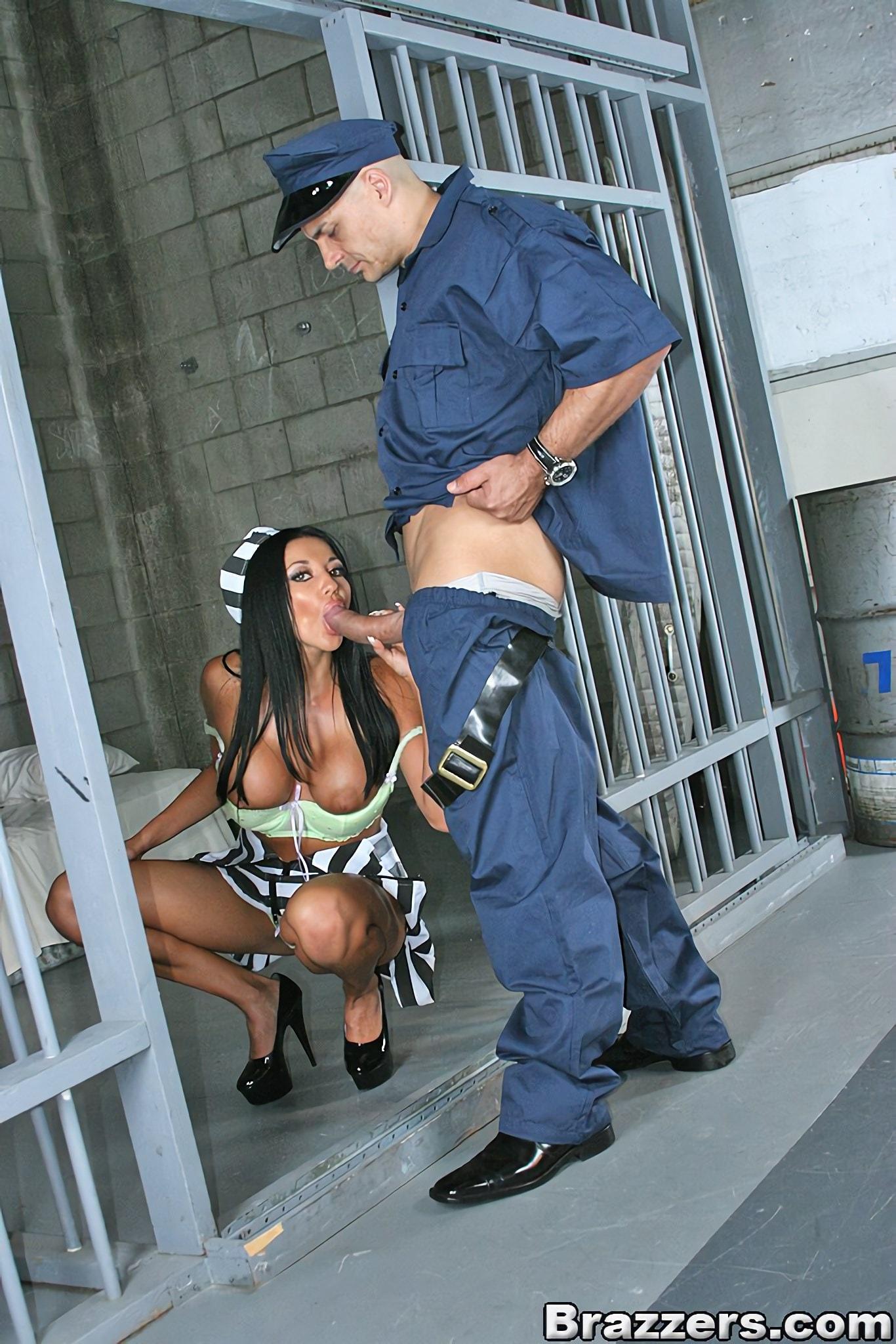 Busty prison break by deviantclip