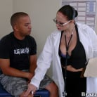 Gianna Michaels in 'Major Cleavage'