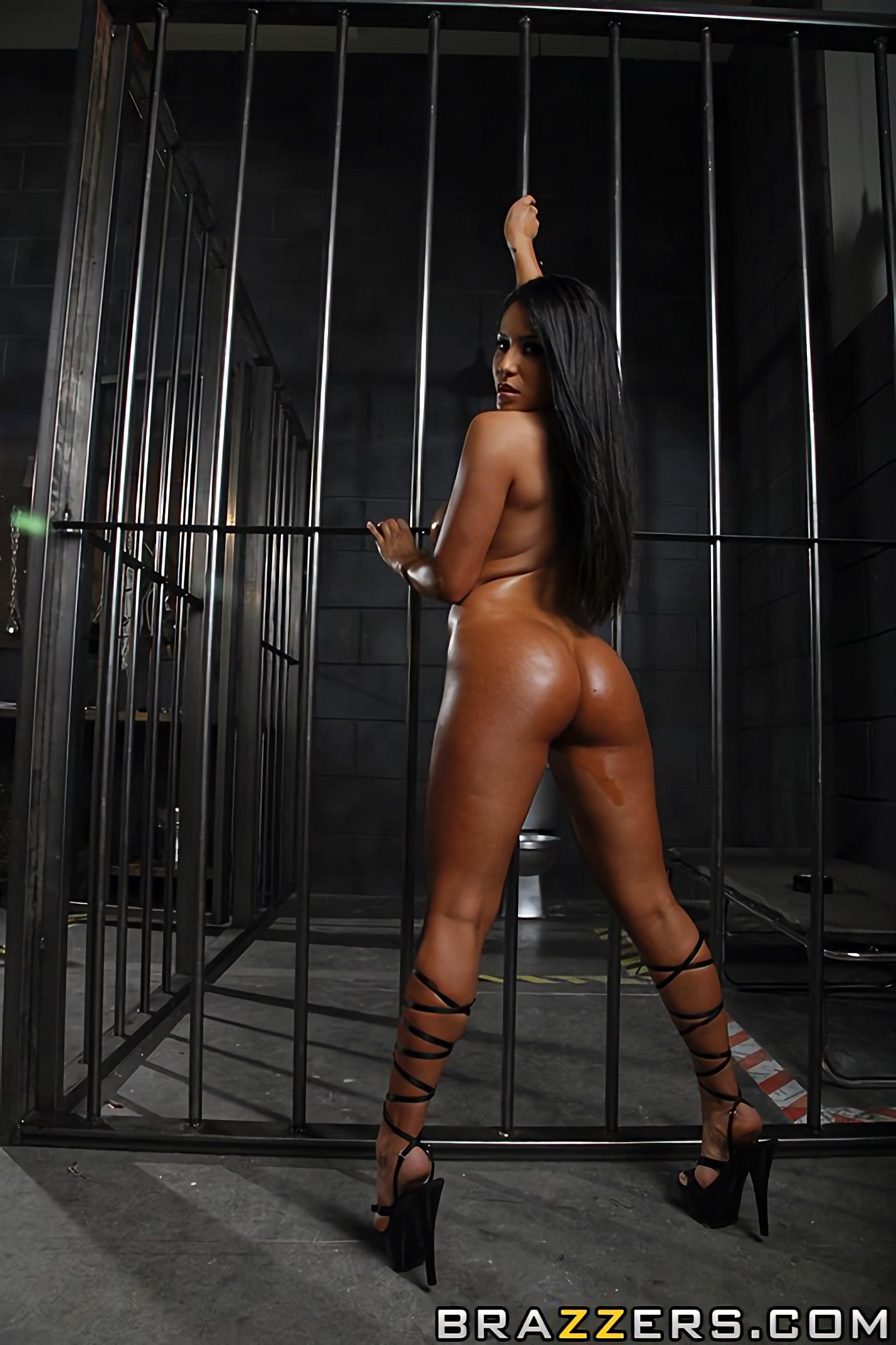 Jenaveve jolie rescuing a pornstar, miranda cosgrove stripped naked video