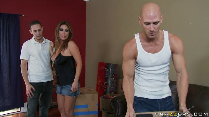 Kianna Dior in Mommy Got Chores