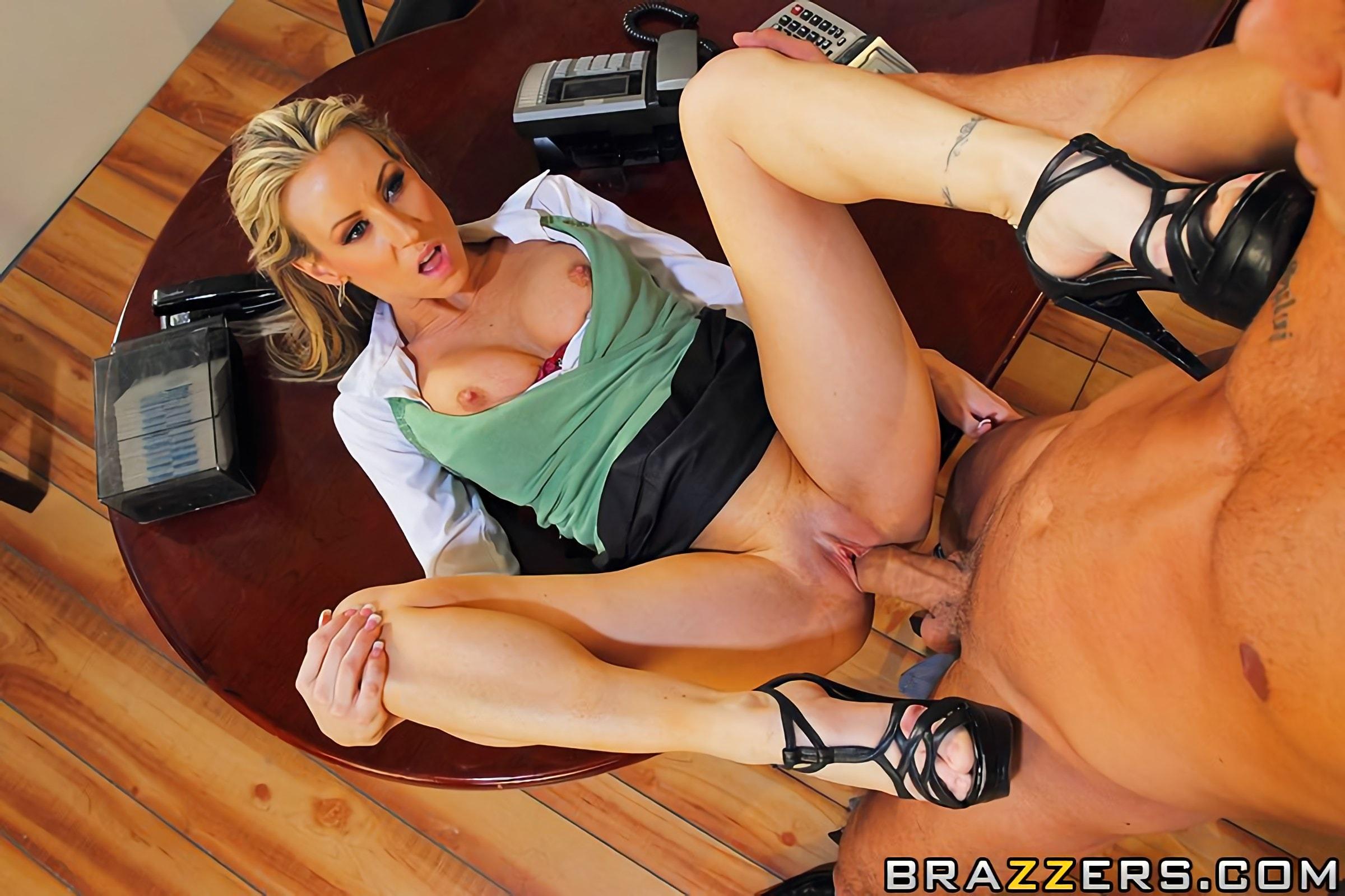 Порно копилка с сюжетом секретарши