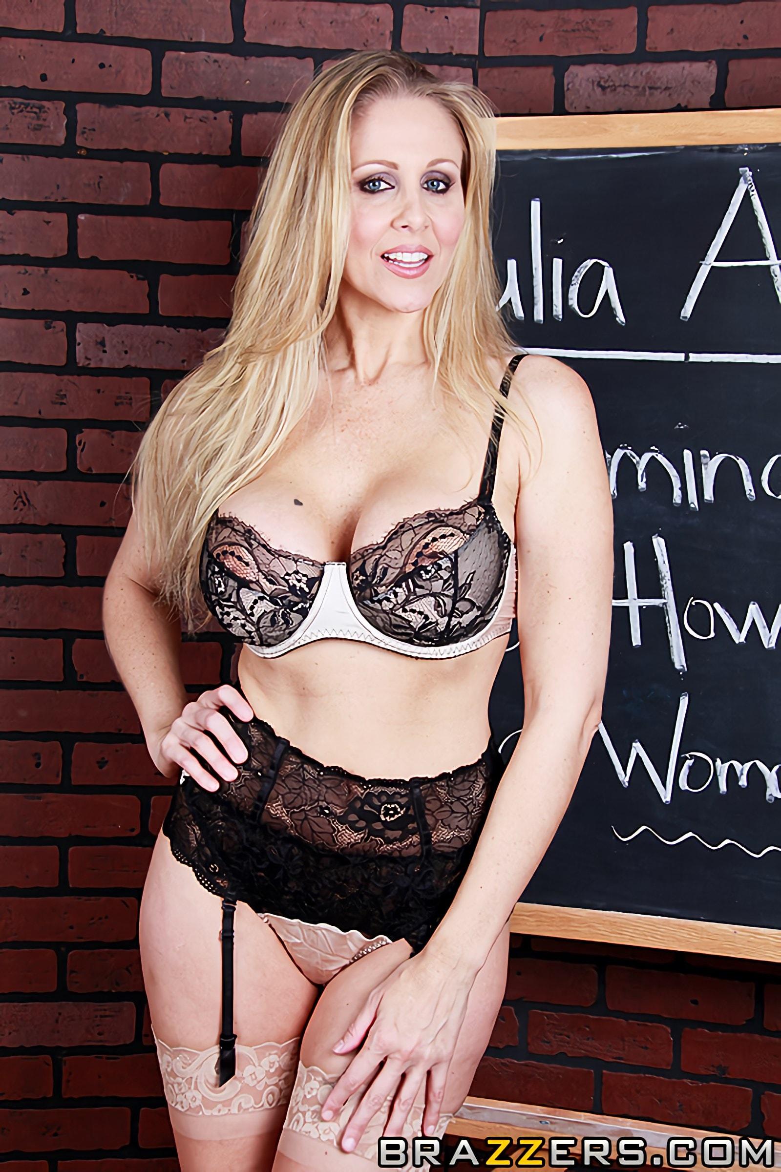 Джулия энн с черным гигантом, красивое голое женское тело порно