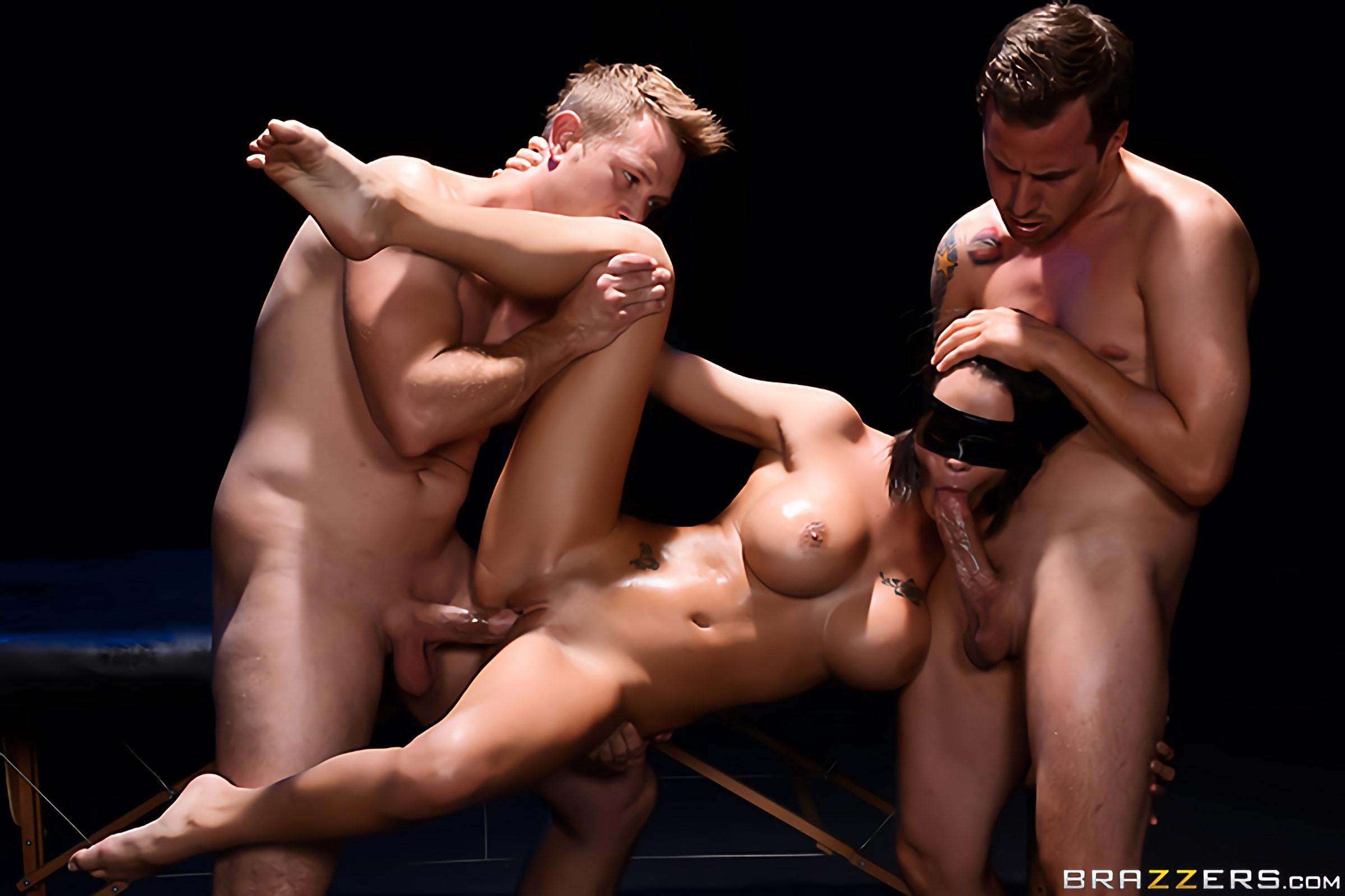 Peta Jensen Blindfold Massage